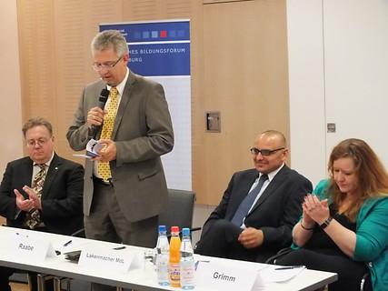 Begrüßung durch den Landesbeauftragten für Brandenburg, Stephan Raabe